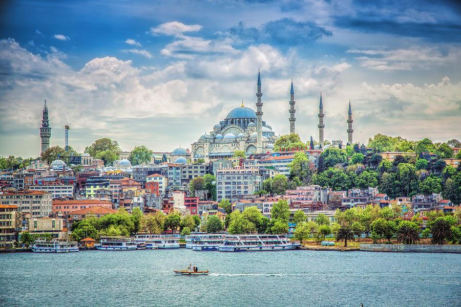 Cidades baratas para viajar na Europa: Istambul.