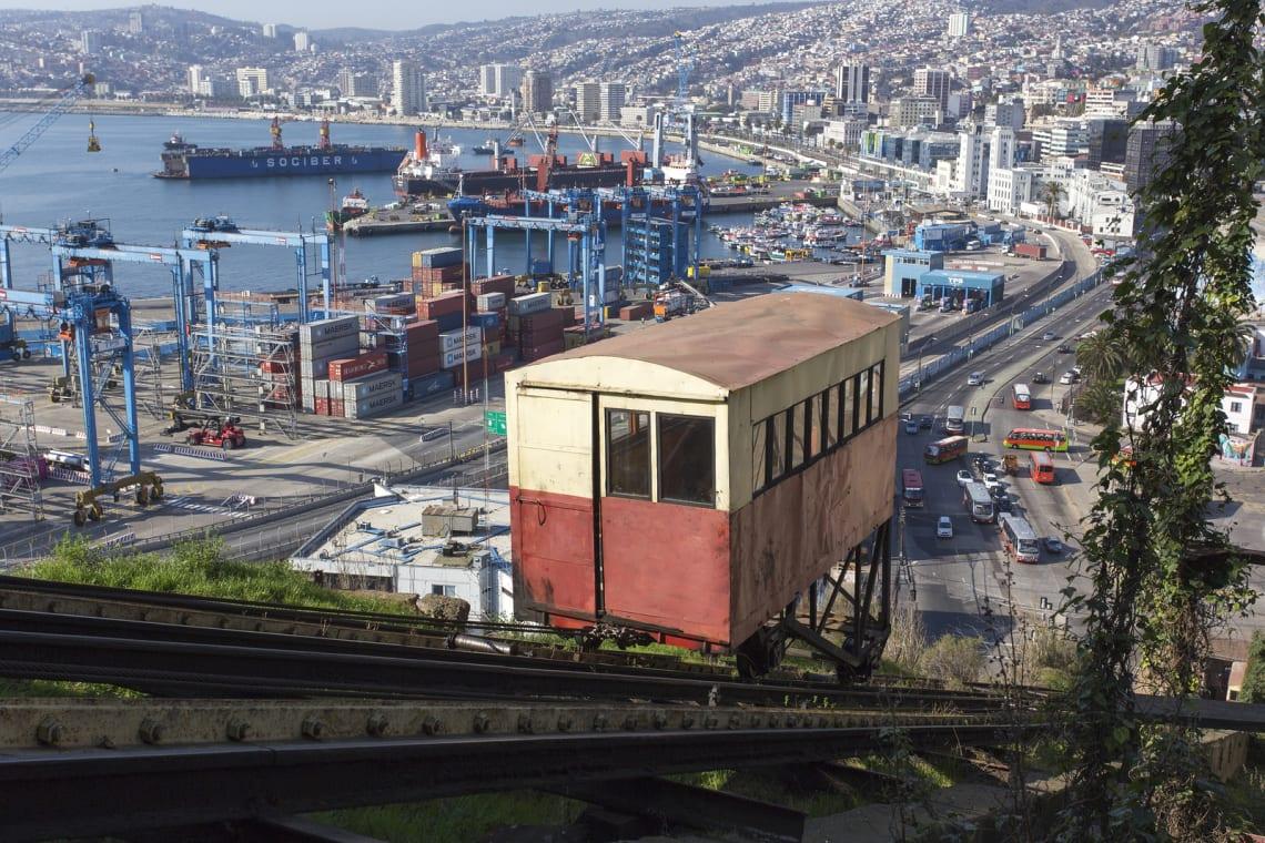 funicular valparaiso chile worldpackers