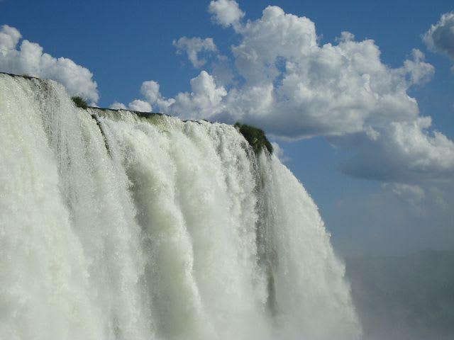 Guía para viajar a las cataratas de Iguazú con poco presupuesto - Worldpackers - cataratas de iguazú en argentina garganta del diablo