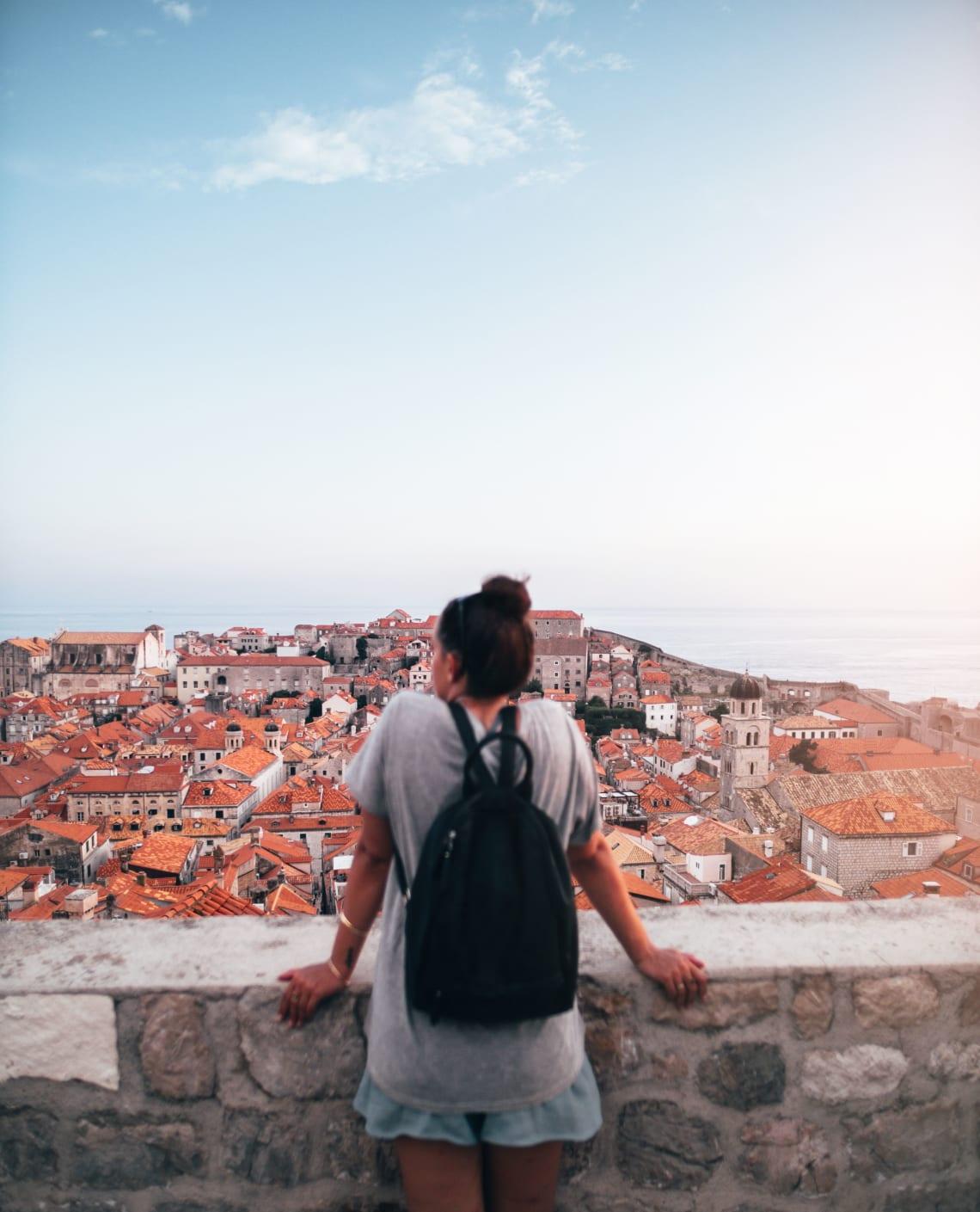 Solo female traveler, Europe