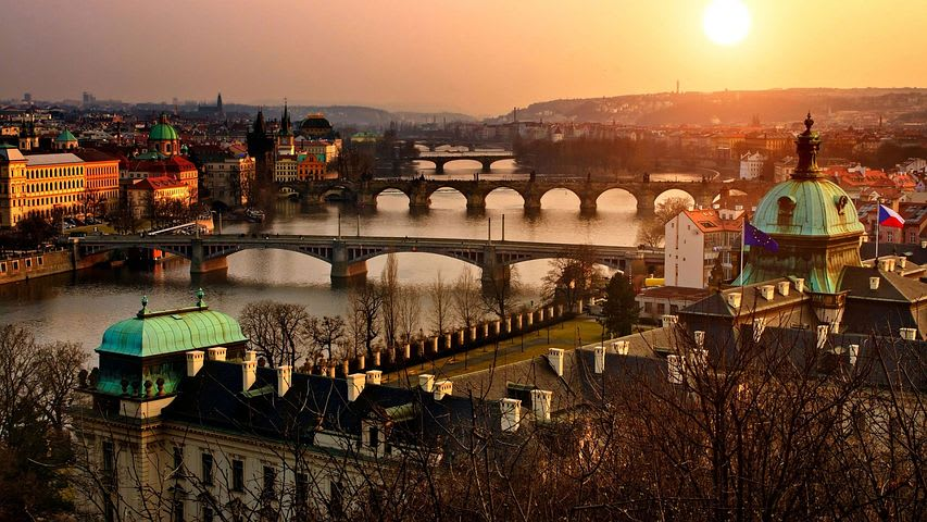 Dónde viajar con poco dinero en Europa - Worldpackers - - Praga República Checa