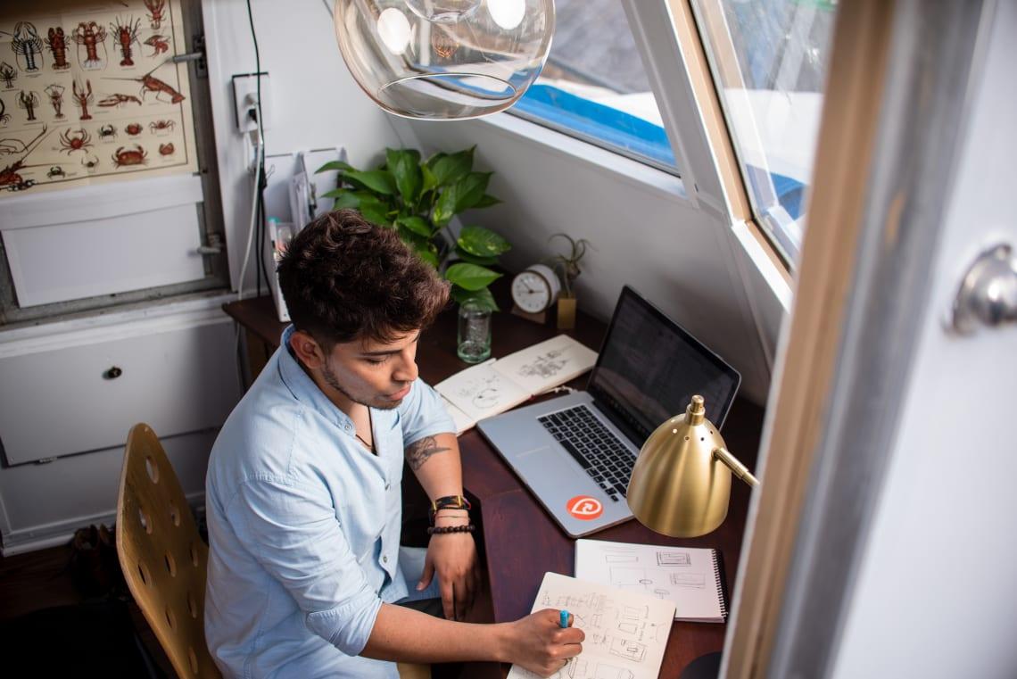 Um freelancer online também precisa ter um espaço próprio para trabalho