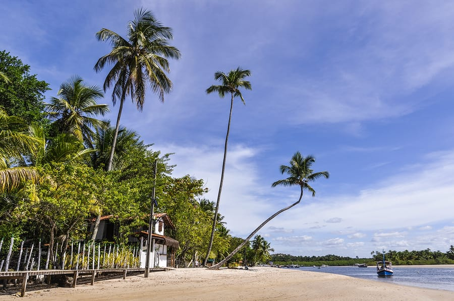 4 ciudades para viajar sola en Brasil - Worldpackers - isla morro de sao paulo