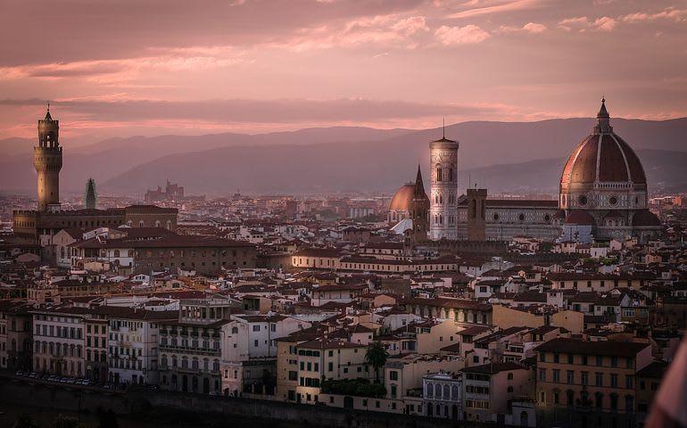 Consejos para viajar sola por Europa - Worldpackers - vista panorámica de Florencia