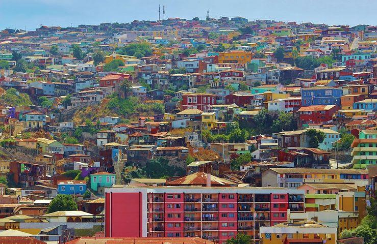 Los mejores 10 destinos de Sudamérica para mochileros - Worldpackers - casas de colores en Valparaiso chile