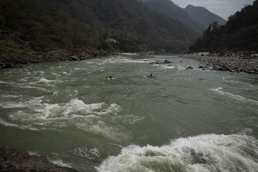 17 días haciendo un voluntariado en India, en la capital mundial del yoga: Rishikesh - Worldpackers - viajeros en río en Rishikesh