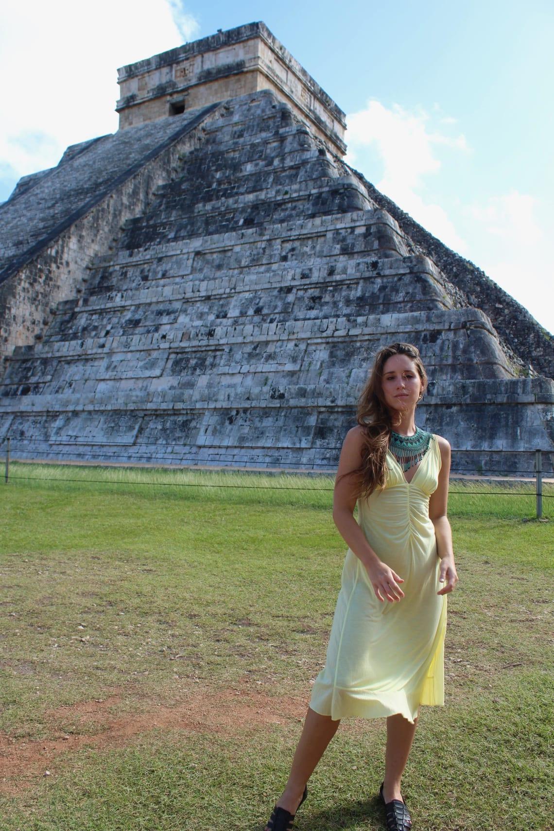 Temple of Kukulcan Step Pyramid, Chichen Itza, Mayan Riviera, Mexico.
