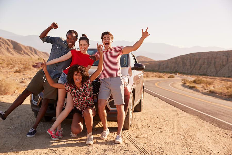 Alugar um carro e dividir também é uma forma de viajar barato pela Europa