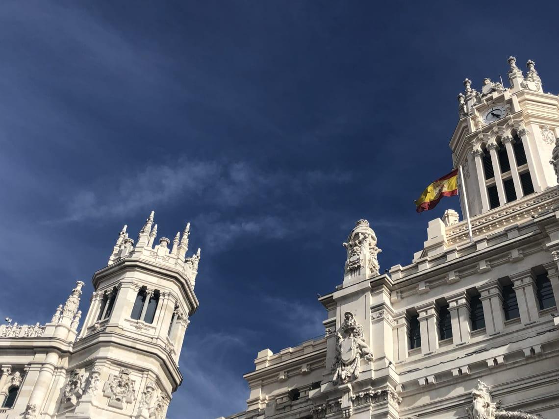 La guía más completa para viajar a Madrid - Worldpackers - fachadas de Madrid