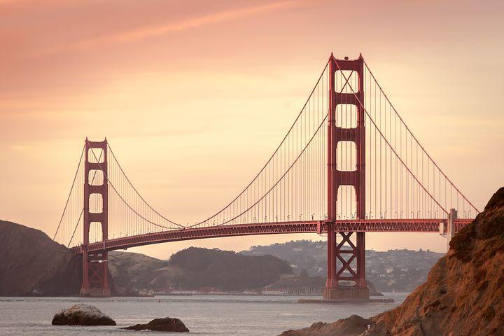 Cómo viajar barato en Estados Unidos - Worldpackers - puente de San Francisco en Estados Unidos
