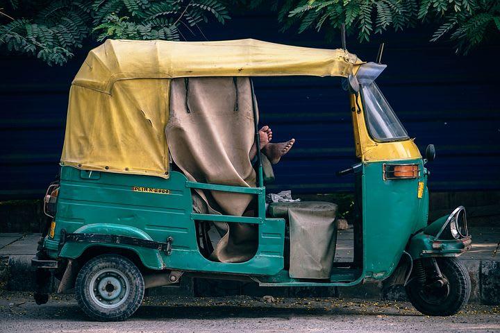 consejos para viajar solo a India - Worldpackers - Rickshaw en India