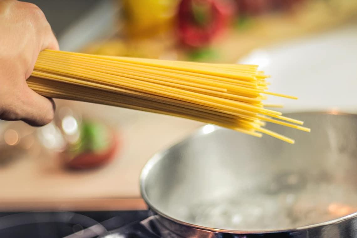 Cozinhar para os voluntários pode ser uma tarefa do voluntário da cozinha