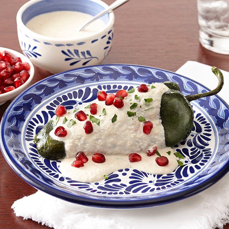 Mexican cuisine: Chiles en Nogada