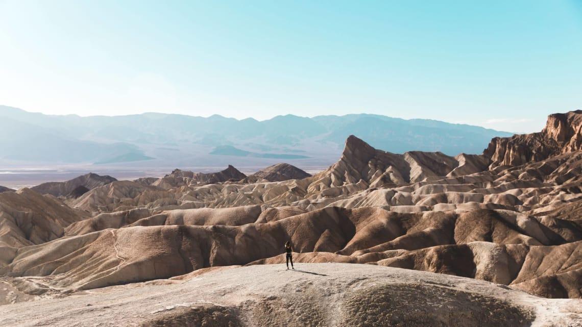Digital nomad traveling the world