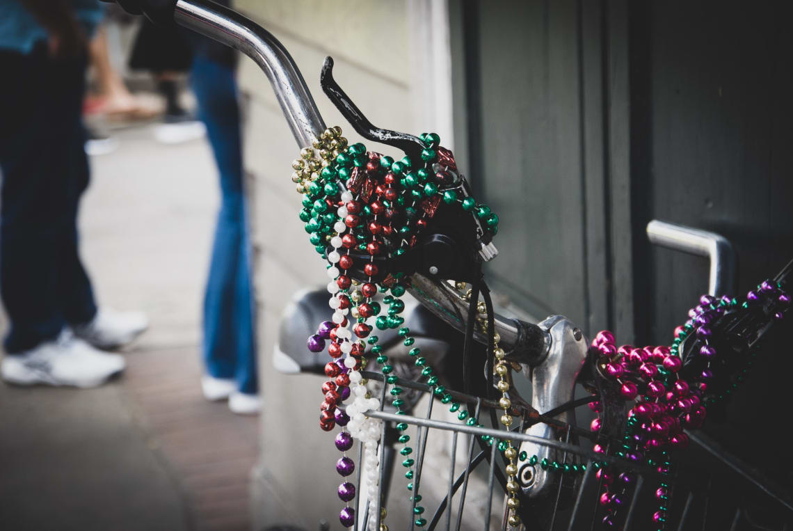 "Things to do in New Orleans during Mardi Gras: make a ""throw"" bucket list"