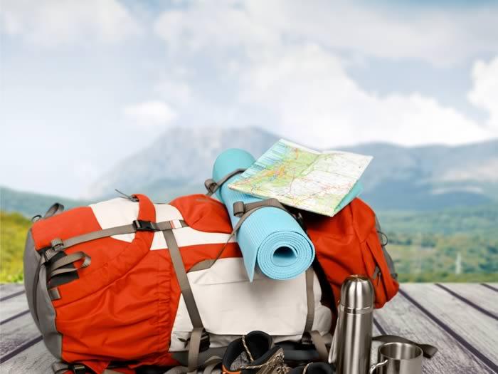 Viajar sola, es encontrar a alguien - Worldpackers- mochila con mapa