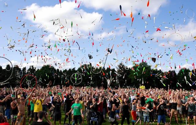 Imagem de festival que acontece na Europa no verão