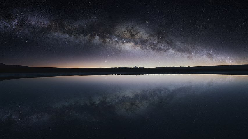 Cómo viajar por el norte de Chile con bajo presupuesto - Worldpackers - desierto de Atacama en Chile de noche