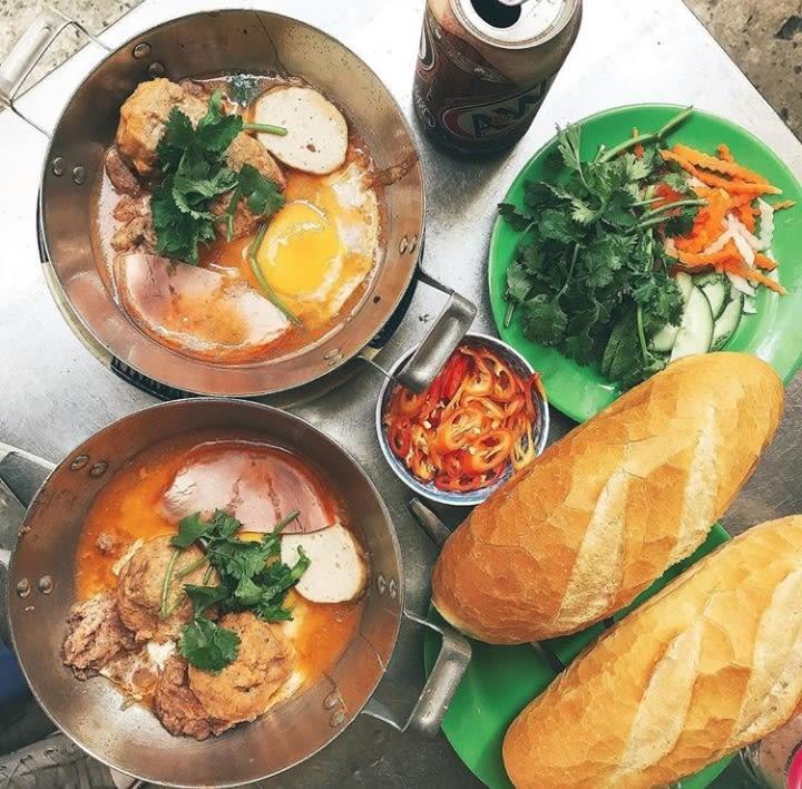 Pratos da comida asiática para provar: Banh Mi