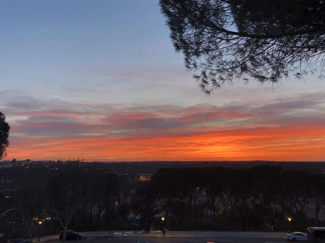 La guía más completa para viajar a Madrid - Worldpackers - atardeceres en Madrid