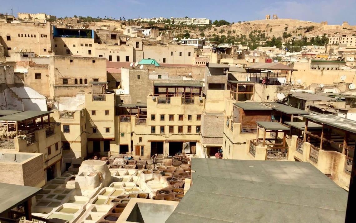 Todo lo que debes saber antes de viajar sola a Marruecos - casas de Fez marruecos - worldpackers