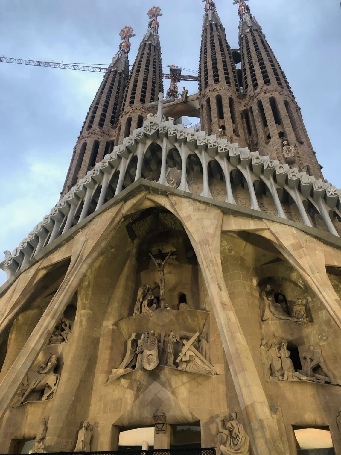 La mega guía para viajar a Barcelona: qué ver, qué hacer y mucho más - la sagrada familia Barcelona