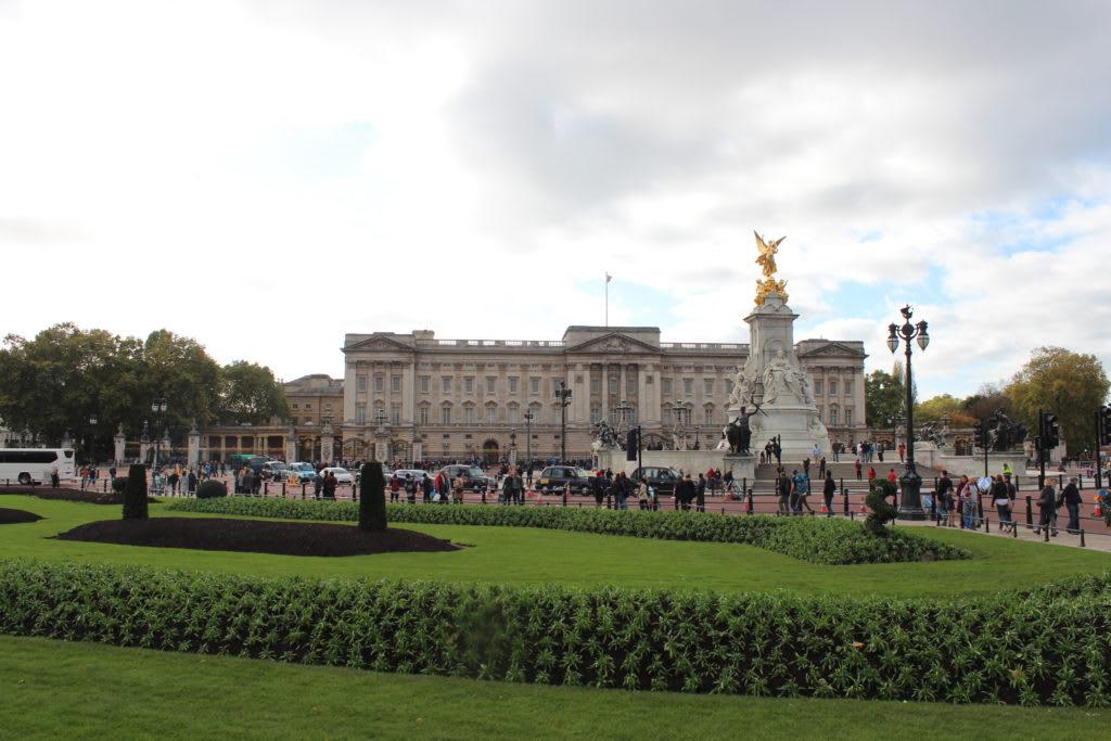12 lugares que no debes perderte en Londres - Worldpackers - el cambio de guardia en londres