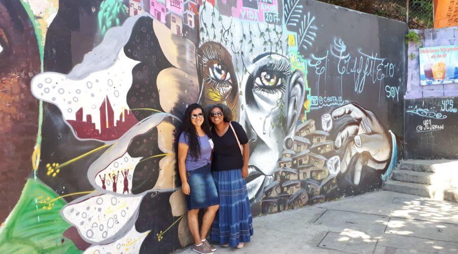 Viviane e sua sobrinha, que tinha medo de viver a experiência Worldpackers sozinha