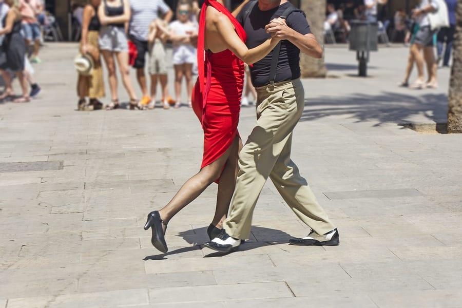 O que fazer em Buenos Aires: assistir a uma apresentação de tango