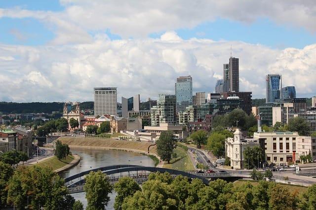 Cidades para viajar barato na Europa: Vilnius.