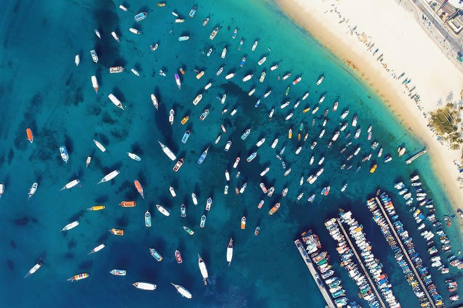 Diversos barcos em Arraial do Cabo