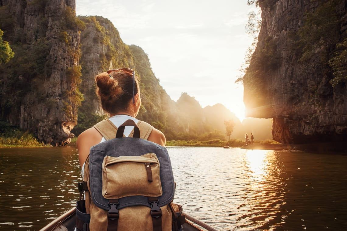 travel the world as volunteer
