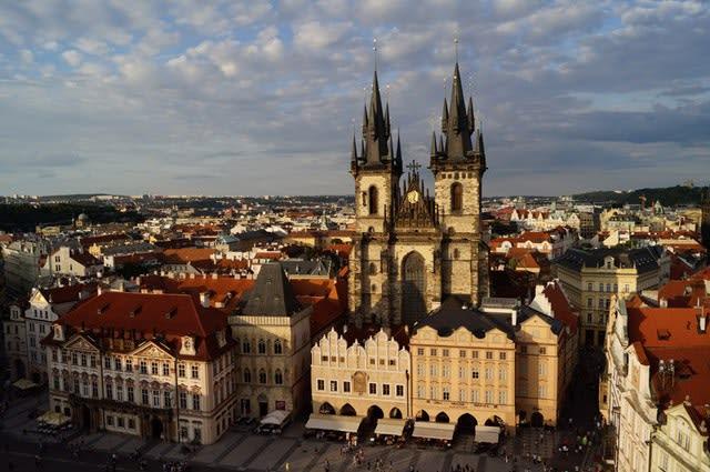Vista aérea da cidade de Praga, conhecida por sua tolerância a LGBTs