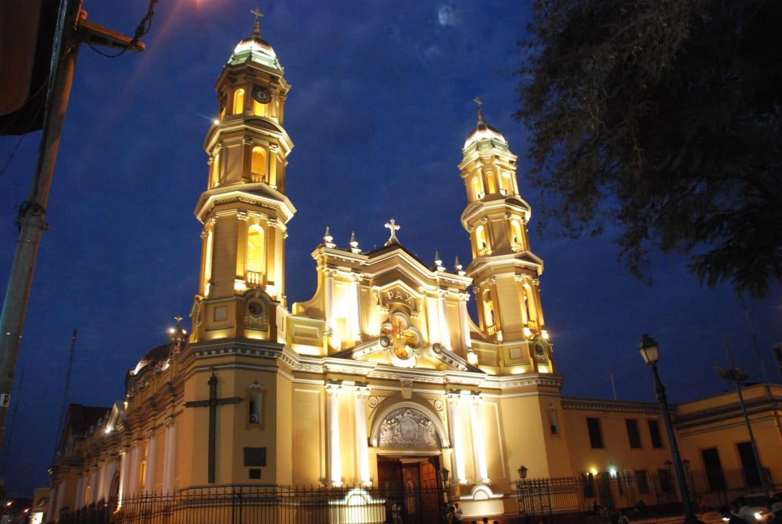 Qué hacer en Piura y sus alrededores - Worldpackers - Plaza de armas de Piura en Perú