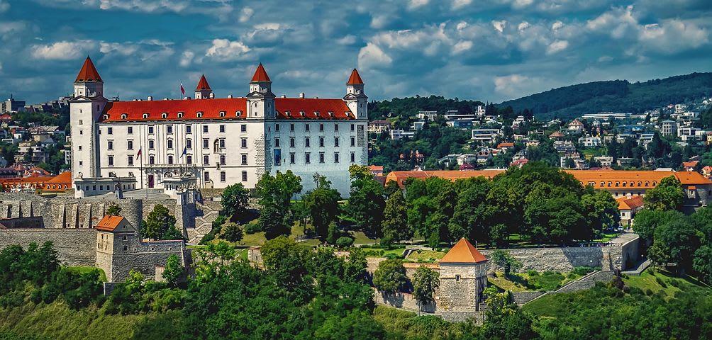 Dónde viajar con poco dinero en Europa - Worldpackers - Bratislava Eslovaquia
