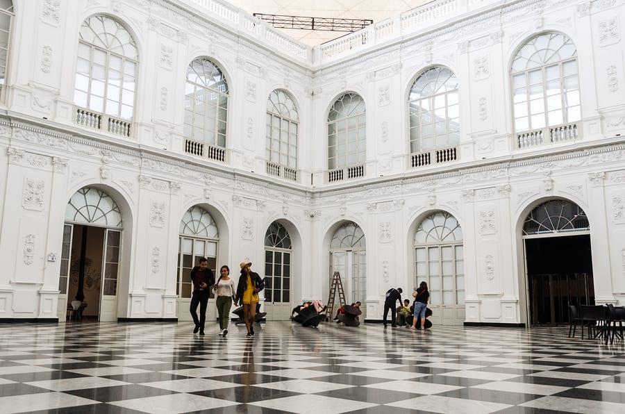 Interior do Museu de Arte de Lima