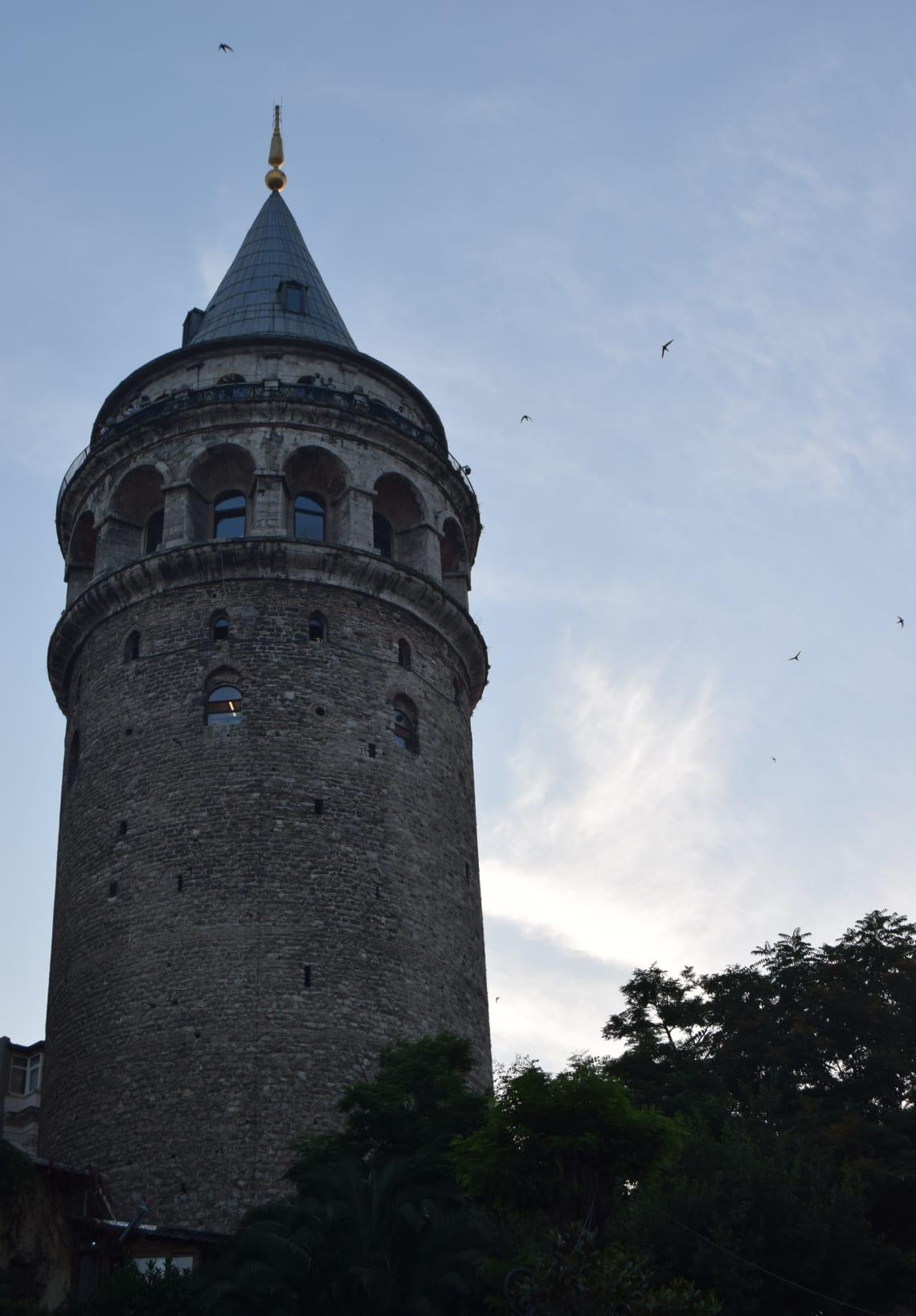 Todo lo que debes saber antes de viajar a Estambul - Worldpackers - torre de galata estambul
