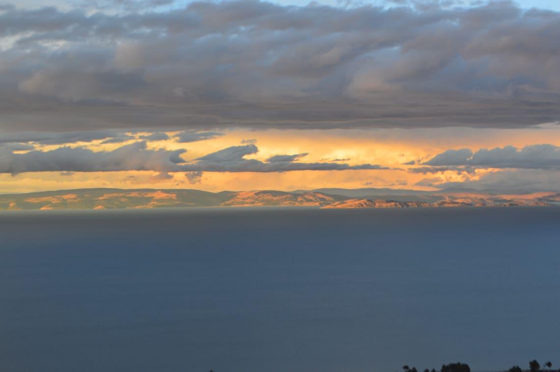 Ruta mochilera para visitar Perú: qué hacer y recomendaciones - Worldpackers - lago Titicaca en Perú