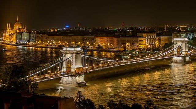 Cidades baratas para viajar na Europa: Budapeste.