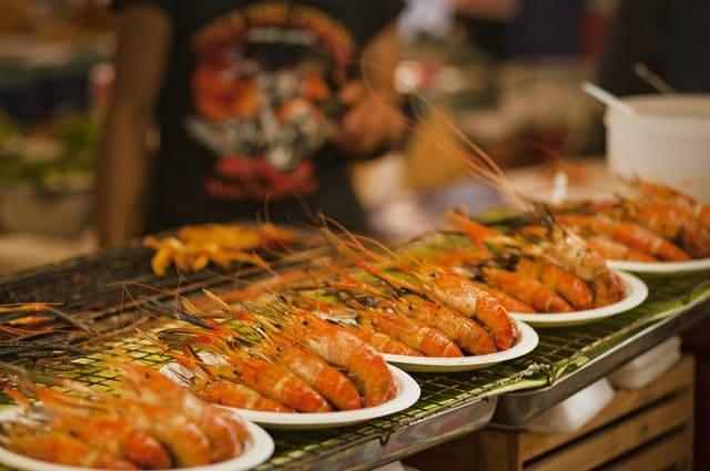 Saiba o que comer durante seu mochilão na Tailândia
