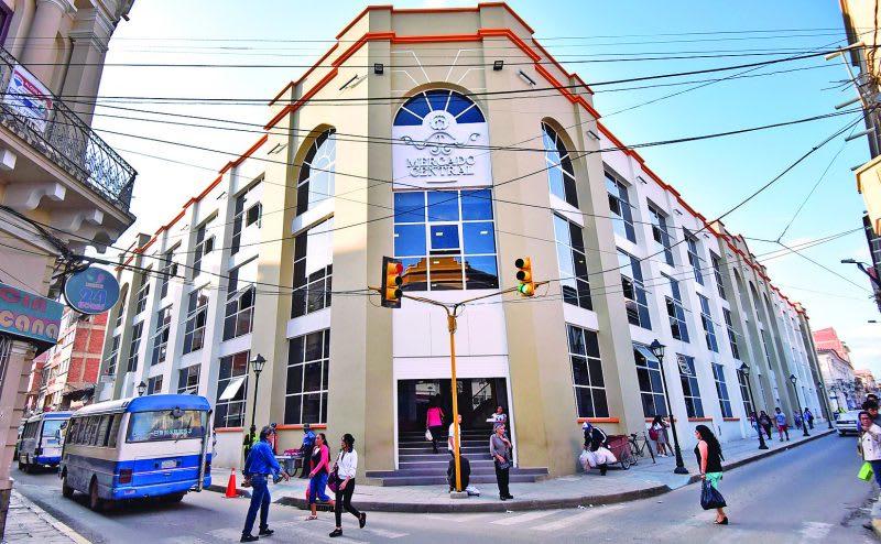 Las mejores cosas que hacer en Tarija y alrededores - Worldpackers - Fachada del mercado central de Tarija