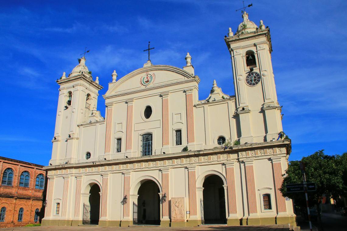 Igreja no centro de Assunção no Paraguia