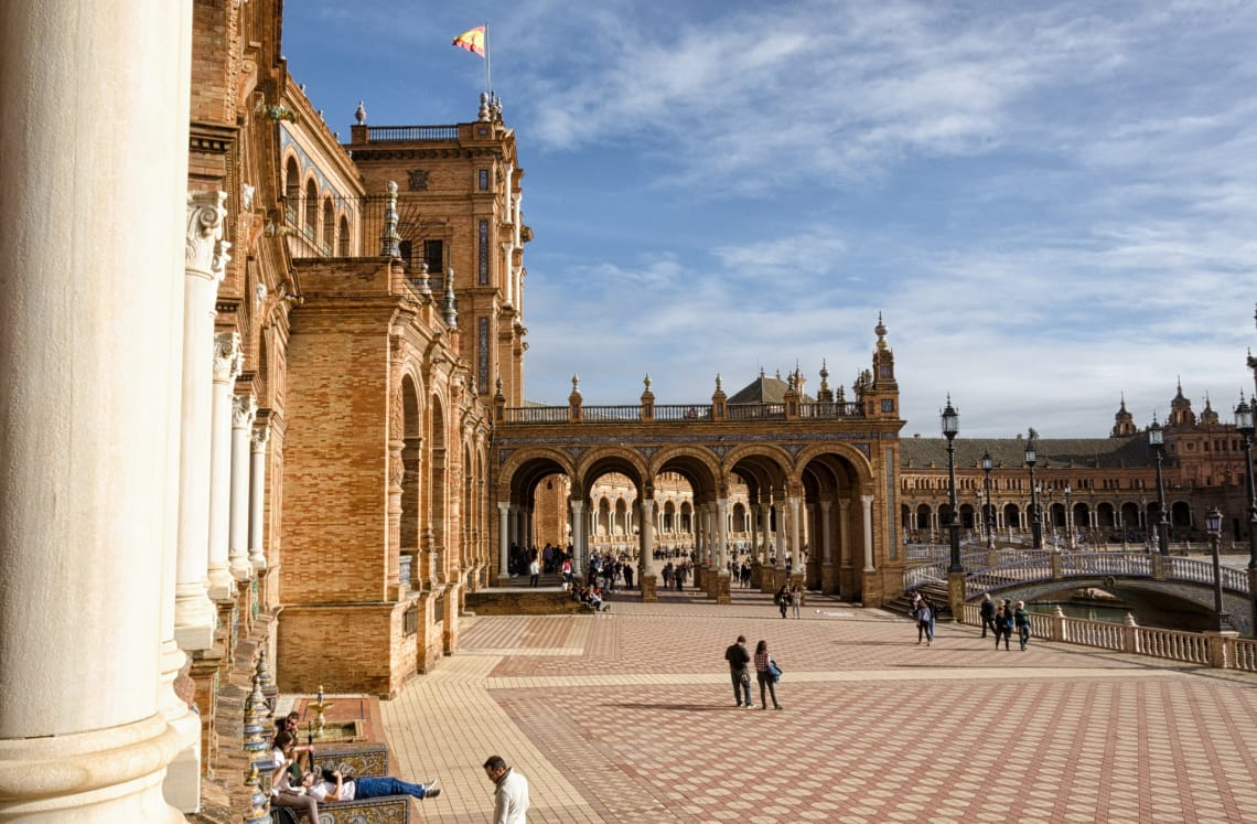 O sul da Espanha é lindo para quem procura destinos para viajar sozinho na Europa