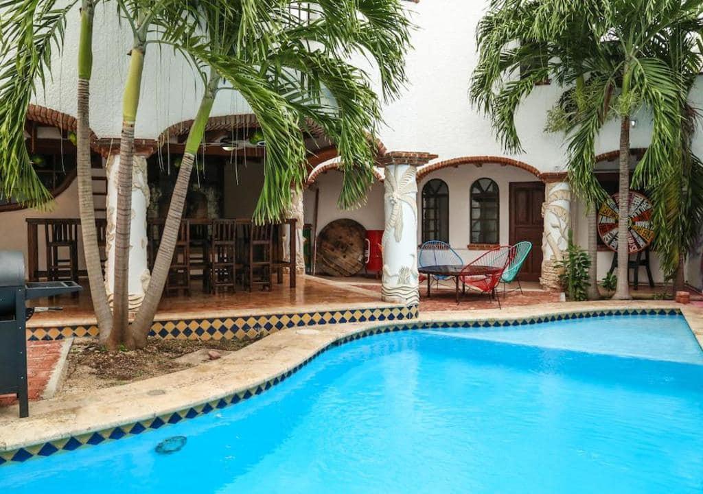Hostel con alojamiento gratuito en Cancún, México