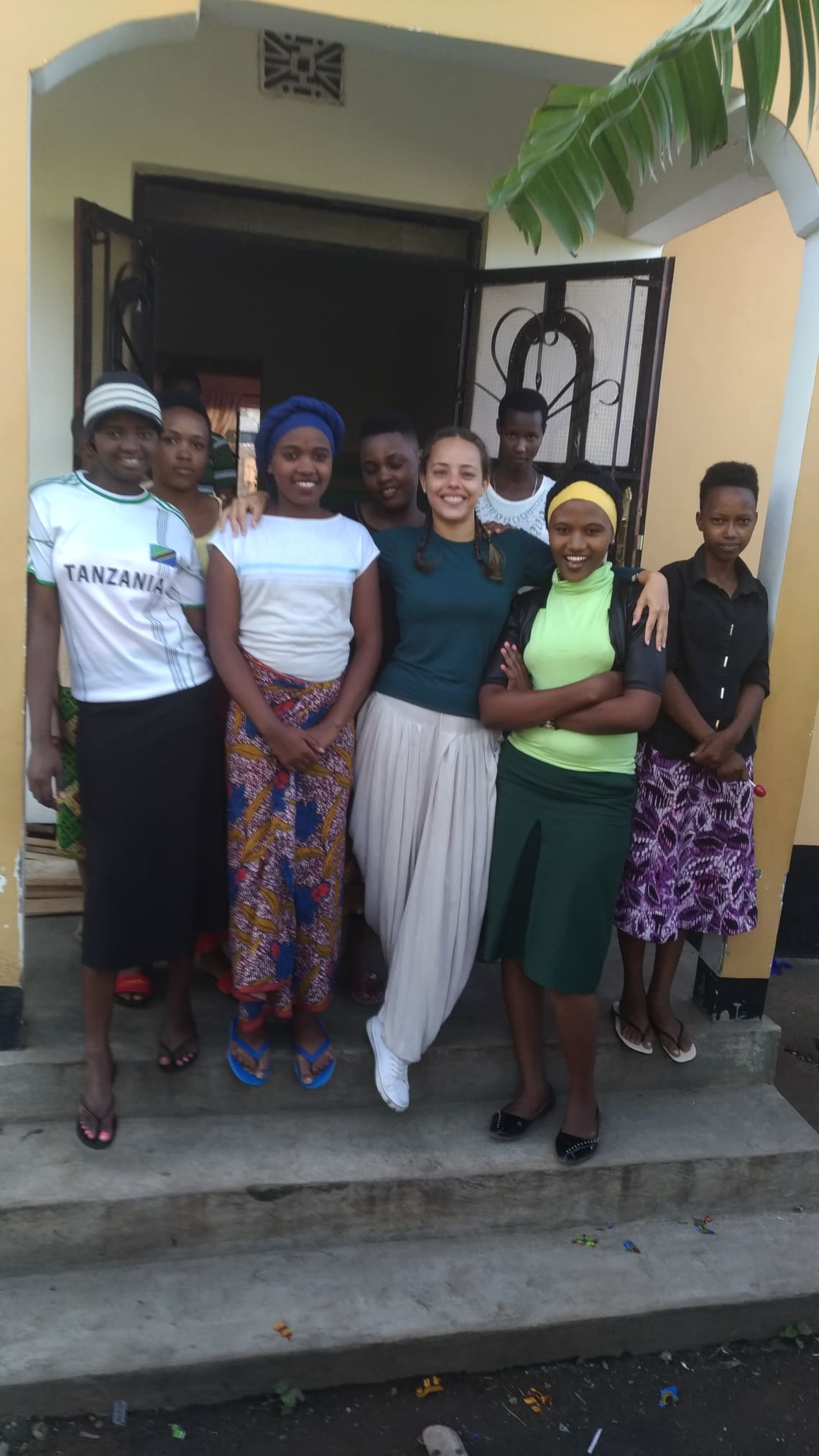 voluntaria em projeto social africano