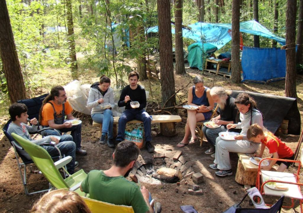 ¿Cuál es el voluntariado perfecto de acuerdo a tu signo? - worldpackers - camping