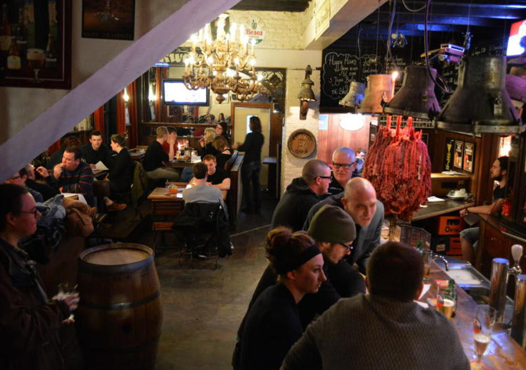 ambiente do bar no St Christopher's @ the Bauhaus