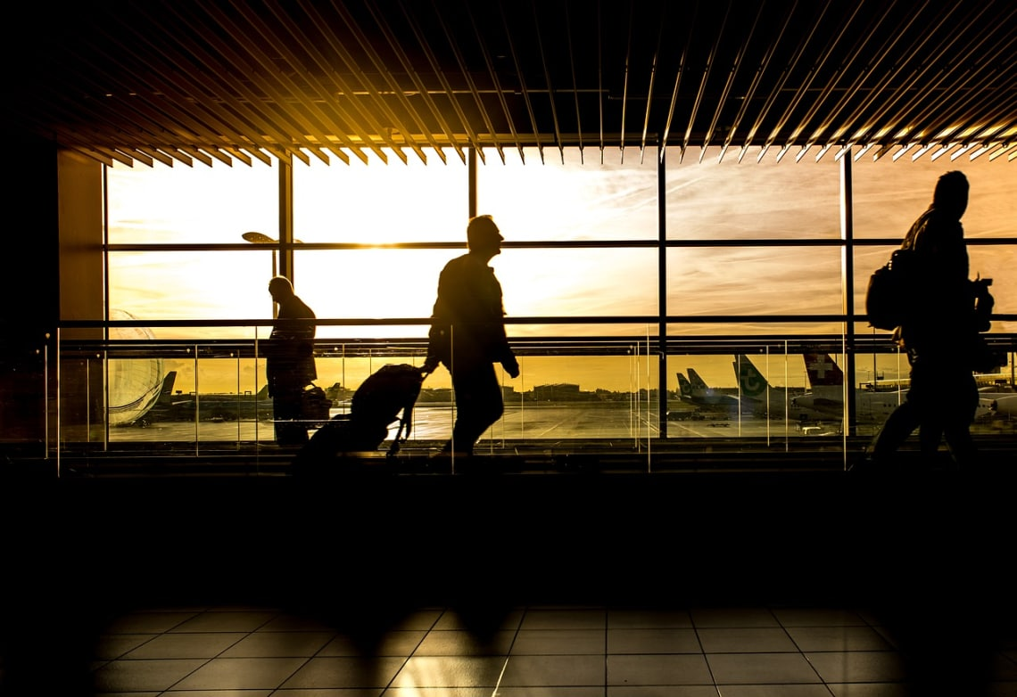 ¿Necesito una visa para usar Worldpackers? - Worldpackers - viajero en aeropuerto