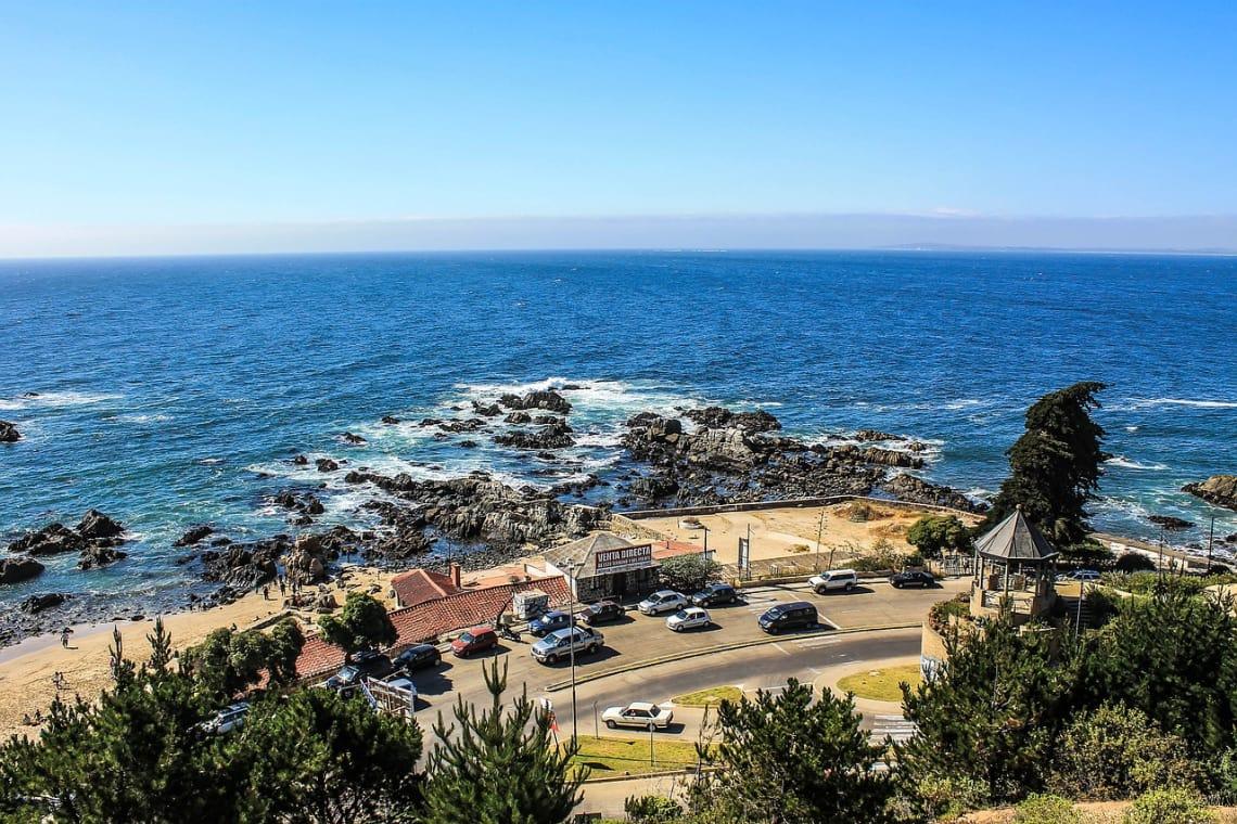 Parte da orla de Vinã del Mar, Chile.