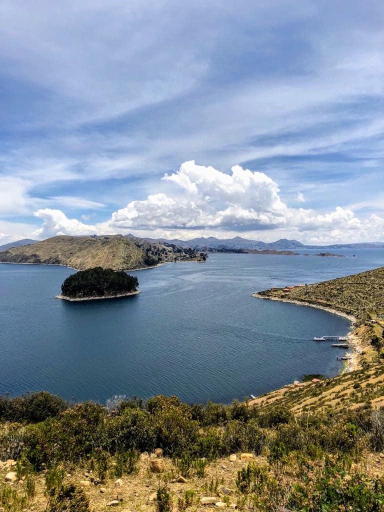 16 cosas que tienes que hacer en Bolivia - Worldpackers - vista del lago titicaca en Bolivia